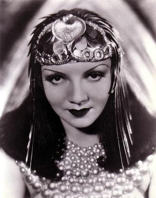 Colbert, Claudette (Cleopatra)_02